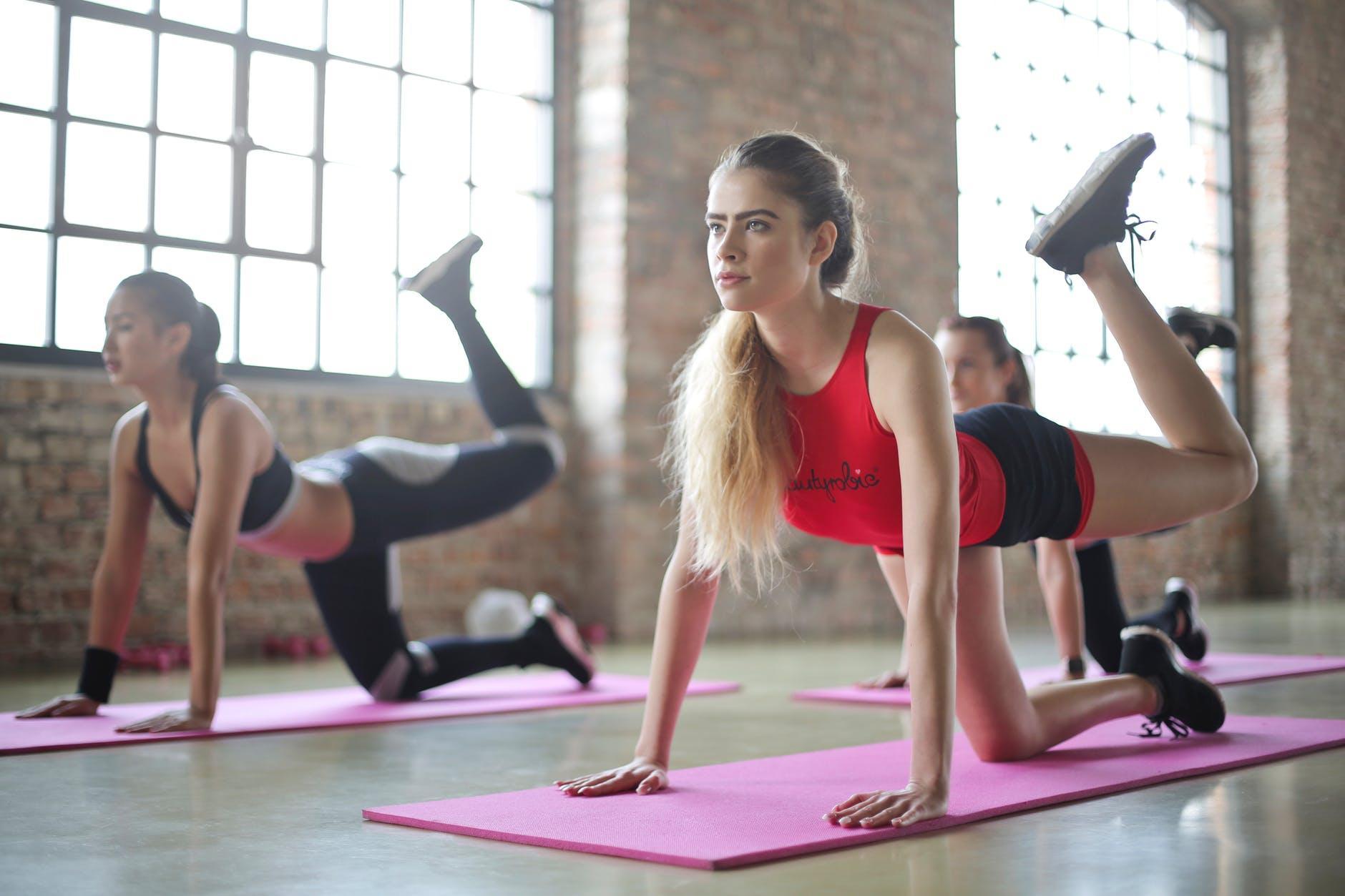 Beneficii ale exercitiilor fizice si selectia adecvata a echipamentelor de fitness